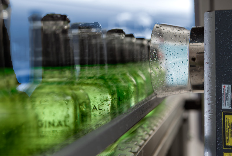 Beverage marking in wet environments