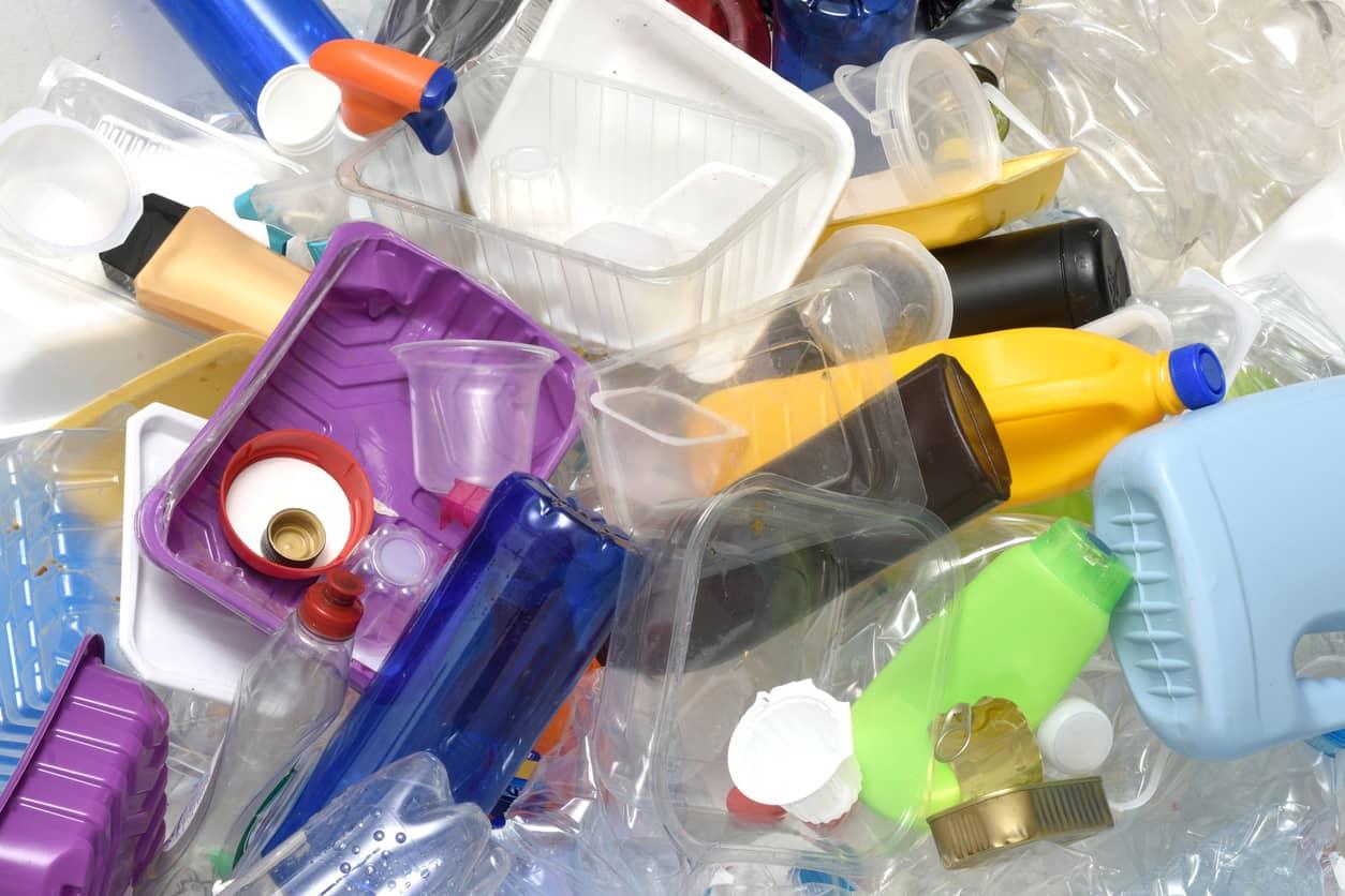 Normativa europea sobre plásticos: impacto ambiental y reducción del consumo
