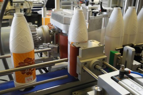 Designed for precision labelling of cylindrical products