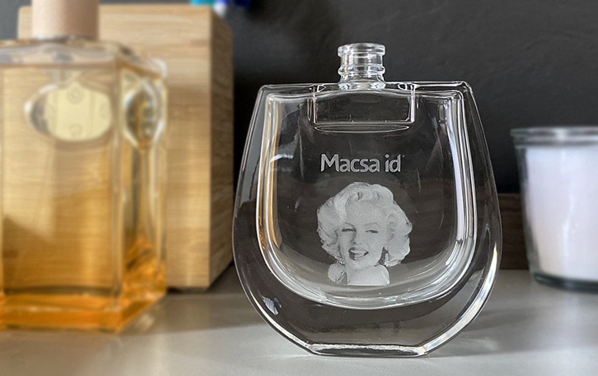 Marcaje láser en recipientes de vidrio