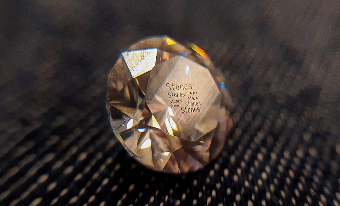 Marcado de piedras preciosas
